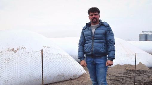 Fermierul DAN PRICEPUTU a investit în SILOBAGURI pentru A-ȘI STOCA PRODUCȚIA DE PORUMB!